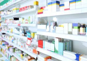 薬局で水虫薬を買う