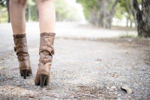 ブーツの女性