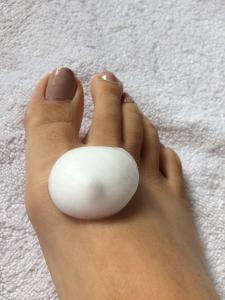 コラージュフルフル泡石鹸1プッシュで片足洗える